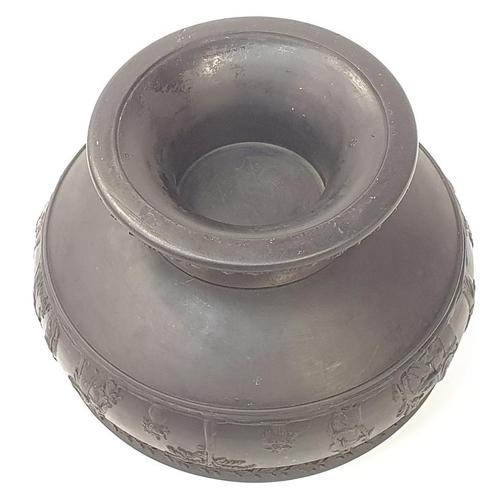 39 - A black Wedgwood basalt bowl....