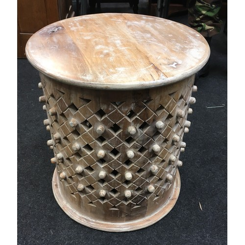 1481 - A modern wooden side table....