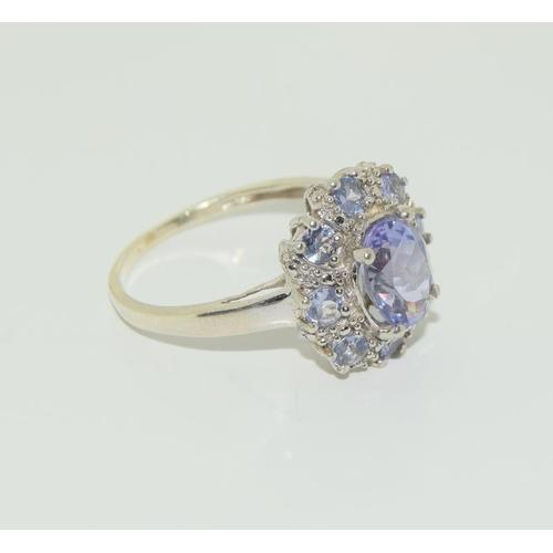 1361 - 9ct gold tanzanite ring....