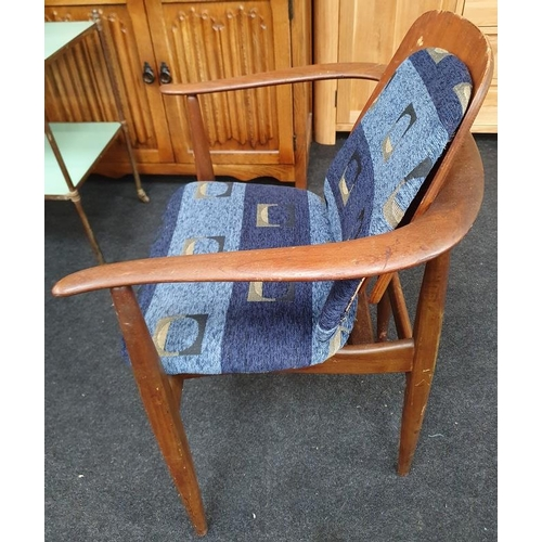 1434 - 1950s retro table together 1950s retro teak chair...