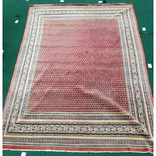 1440 - Room size carpet - beige with pink centre. 370 x 270cms....