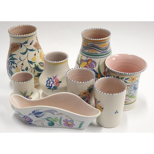 481 - Poole Pottery Traditional pattern vases to include Patricia Wells vase (8)...
