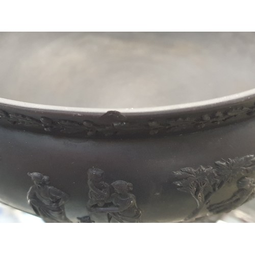 39 - A black Wedgwood basalt bowl....