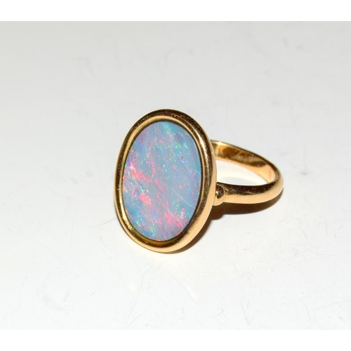 137 - 18t Gold Opal Triplet Ring 7.1gm Size O....