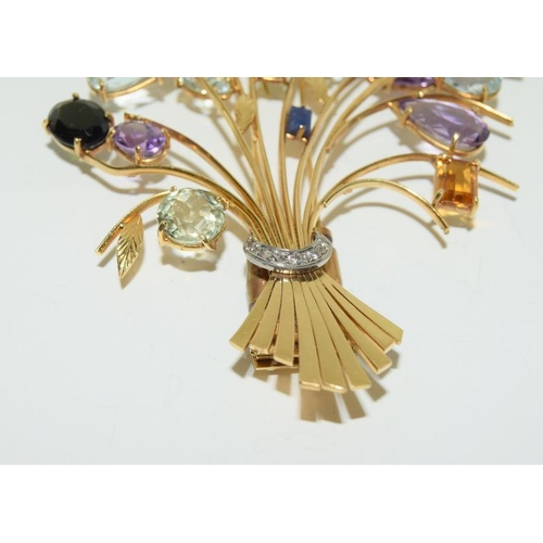 229 - 18ct Yellow Gold Large Gem Set Brooch....