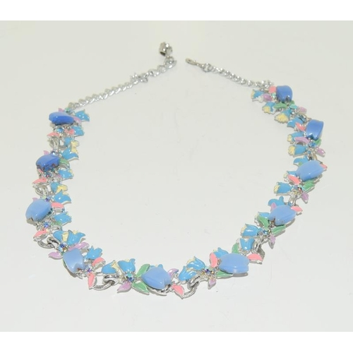 41 - Vintage Thermoset plastic Harebelle necklace.