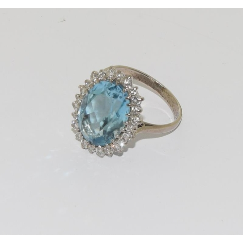 25 - A Large Vintage Aquamarine & Diamond Platinum or 18ct White Gold Cluster Ring, Size N. Central Aquam...