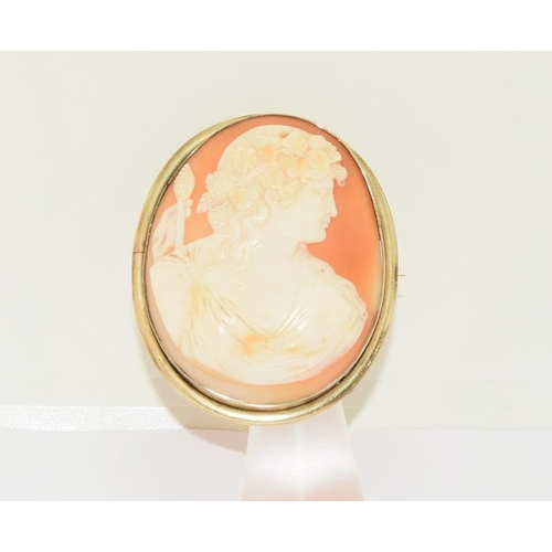 45 - Large Antique Victorian Solid Gold Framed Cameo of Apollo. Measuring 6cm x 5cm. No Stress Cracks Wei...