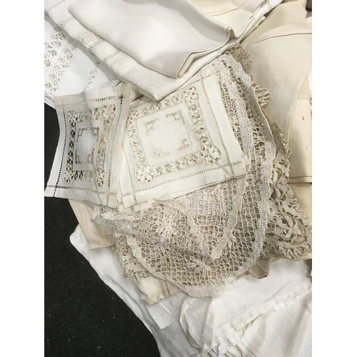 31 - Collection of Victorian and other lace table linen etc needs laundering...