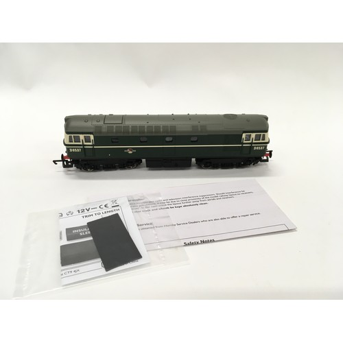 33 - Hornby OO R2939 BR Class 33 D6537 locomotive. Appears Near Mint In Excellent box.
