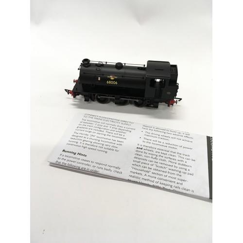 37 - 2 Hornby OO locomotives: R3023 BR 0-6-0ST Class J94 68006 and R2927 BR PUG 0-4-0 51235. Both appear ...