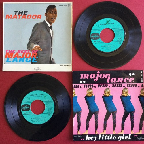 23 - 2 x FRENCH MAJOR LANCE E.P.'s. Great Soul vinyl's from Columbia Records. First up is 'Um, Um, Um, Um...