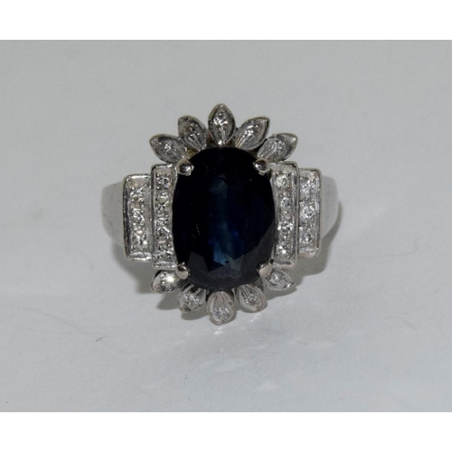 39 - 18ct white gold and Diamond/Sapphire (approx 2.5ct centre stone) Art Deco Style ring, Size P