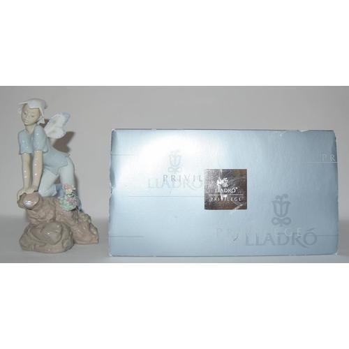 42 - Lladro No. 7690