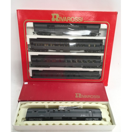 6 - Rivarossi 6922 A Set 1920's Union Pacific 4 piece coach pack & 2653 RPO - coach boxed. Generally Exc...