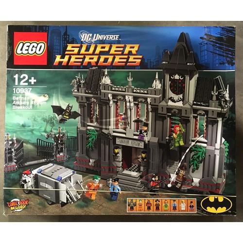 8 - Lego Super Heroes DC Universe Batman: Arkham Asylum Breakout (retired). Seal has come unstuck but co...