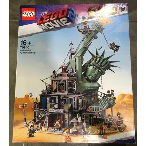 26 - Lego The Lego Movie: Welcome to Apocalypseburg! set 70840 (retired) New and Sealed).