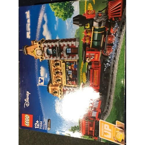29 - LEGO Disney: Disney Train and Station set 71044. New and sealed.
