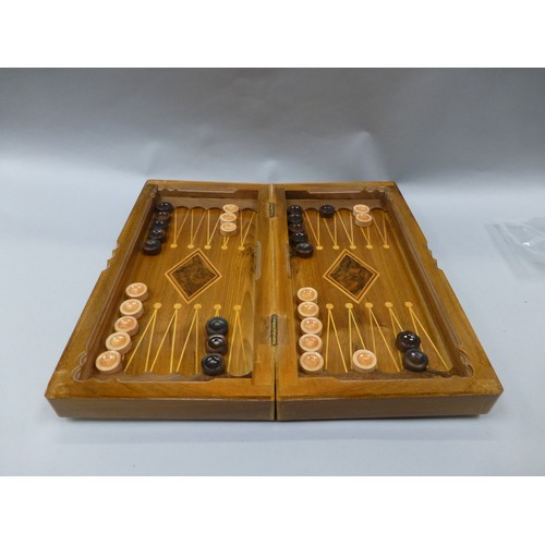 14 - Vintage wooden backgammon / draughts set. board size approx 16