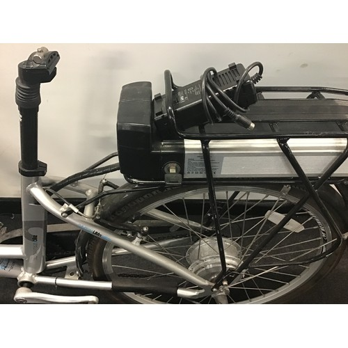 67 - Boost city electric bike with charger ref WP 48
