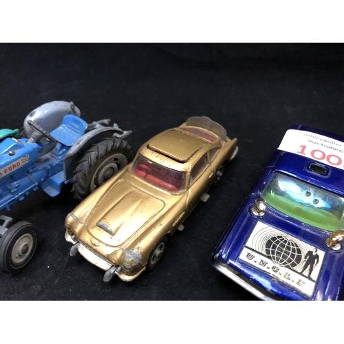1003 - FOUR VINTAGE CAR MODELS TO INCLUDE A CORGI - THE MAN FROM U.N.C.L.E 'OLDSMOBILE' SUPER 88, CORGI AST...