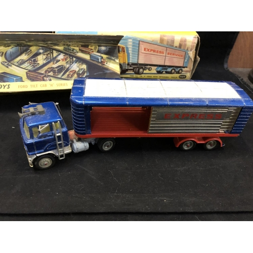 1012 - A VINTAGE CORGI TOYS 1137 FORD TILT CAB 'H' SERIES WITH DETACHABLE TRAILER MODEL (BOXED)...