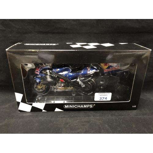 374 - A 'MINICHAMPS' 1:12 SCALE REPLICA MOTO GP RACING BIKE MODEL - YAMAHA YZR 500 GARY McCOY, 2002, MODEL...