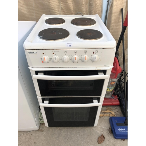132 - A 'BEKO' D533A OVEN WITH FOUR HOB POINTS AND TWO LOWER PULL DOWN DRAWERS...