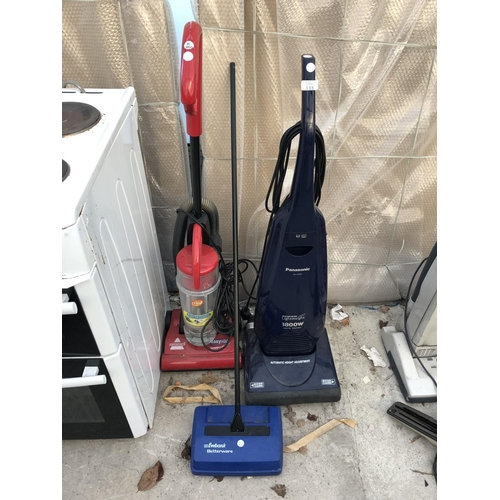 133 - A 'PANASONIC' SUPER LIGHT WEIGHT HOOVER, W/O, A 'BISSELL' EASY VAC, W/O, AND A 'EWBANK BETTERWARE' C...