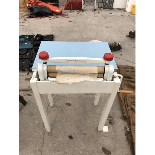 40 - A VINTAGE QUALCAST FLEETWAY LTD FOLDING CLOTHES MANGLE WITH WHITE PAINTED BASE...