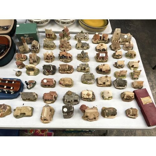 267 - A LARGE QUANTITY OF APPROXIMATELY 52 'LILLIPUT LANE' CERAMIC COTTAGE MODELS (SOME AF)...