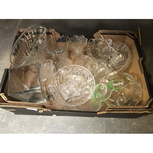 270 - A LARGE QUANTITY OF ASSORTED CERAMICS AND GLASS TO INCLUDE ETCHED GLASS DRINKING GLASSES, VASES, CUT...