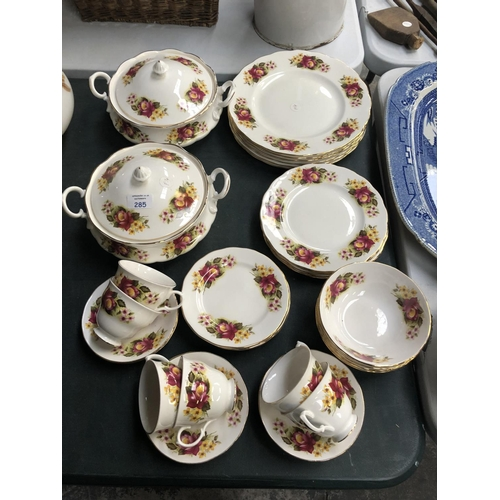 285 - A 'GAINSBOROUGH' 37 PIECE BONE CHINA OLD COUNTRY ROSES STYLE DINNER SERVICE COMPRISING TWO LIDDED TU...