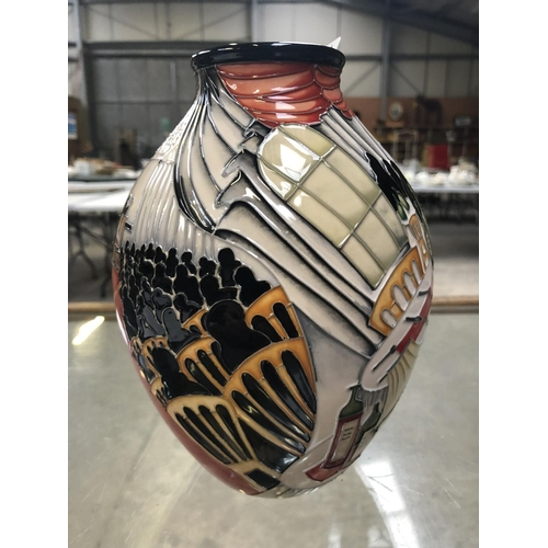 333 - A PRESTIGE MOORCROFT POTTERY 'THE AUCTION' OPEN DAY 2012 AUCTION WITH ERIC KNOWLES LIMITED EDITION (...