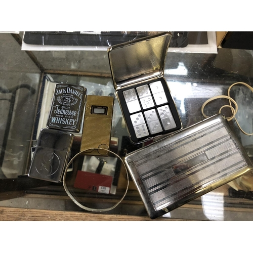 577 - SMALL MIXED LOT COMPRISING 3 LIGHTERS (2 PETROL), ONE BRACELET, ONE CIGARETTE CASE  PLUS MUFC DOMINO...