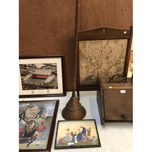 454 - A VINTAGE WOODEN HANDLED 'SIMPLEX PREMIER' TOGETHER WITH A SMALL FRAMED RELIGIOUS PICTURE (2)...