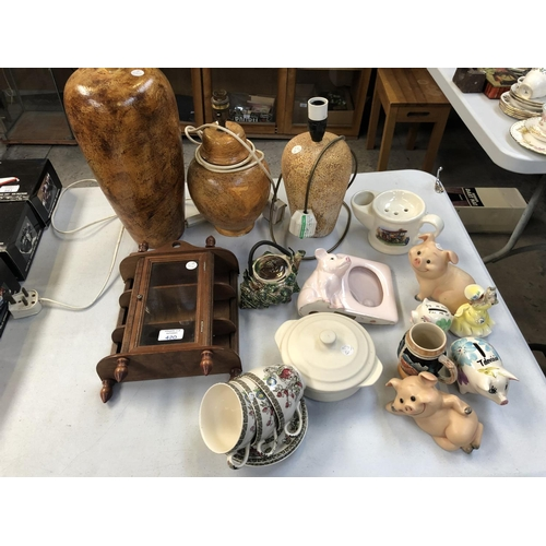 420 - A MIXED GROUP OF ITEMS TO INCLUDE LAMP BASES, PIG MODELS, MINIATURE DISPLAY CABINET ETC (QTY)...