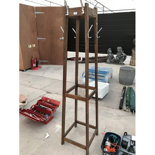 117 - A RETRO OAK COAT STAND...