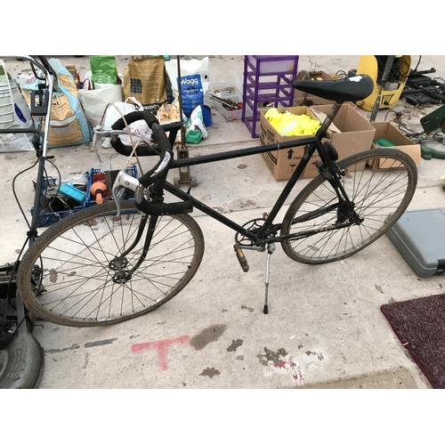 125 - A GENT'S VINTAGE RACING BICYCLE...