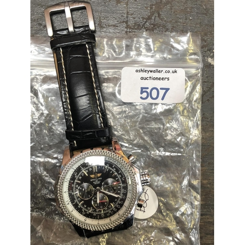 507 - A GENTS FASHION WATCH, IN THE 'BREITLING FOR BENTLEY MOTORS' STYLE...
