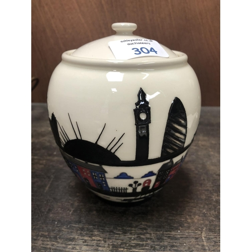 304 - A MOORCROFT POTTERY LIDDED VASE DECORATED IN THE 'LONDINIUM' PATTERN DESIGNED BY NICOLA SLANEY, SHAP...