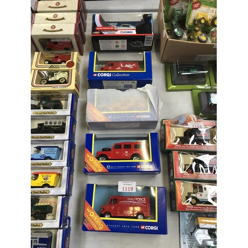 1119 - FIVE BOXED 'CORGI' ITEMS TO INCLUDE A 'JAMES BOND 007 THUNDERBALL ASTON MARTIN DB5 CAR' AND FURTHER ...