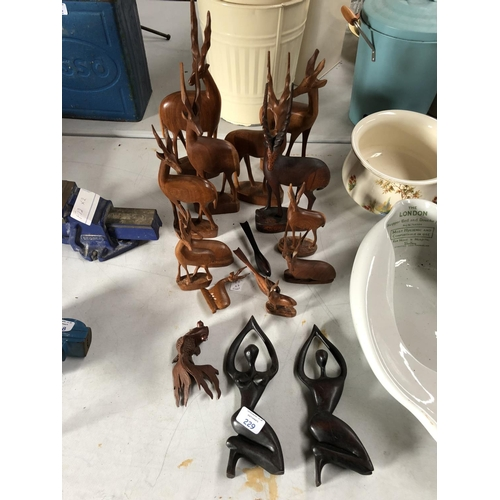 229 - A GROUP OF 15 DECORATIVE WOODEN MODELS OF ANTELOPES AND FURTHER FIGURES, ETC (15)...