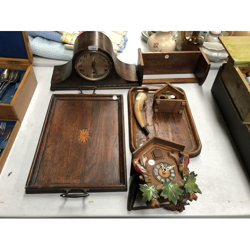 252 - A WEST MINSTER CHIMING NAPOLEON HAT MANTLE CLOCK, TOGETHER WITH AN OAK TRAY WITH SHELL CENTRAL ROUND...