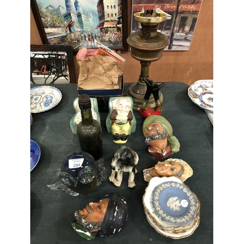 284 - A MIXED GROUP OF VARIOUS CERAMICS AND GLASS TO INCLUDE A VINTAGE GLASS ALE BOTTLE, 'KEELE STREET' GR...
