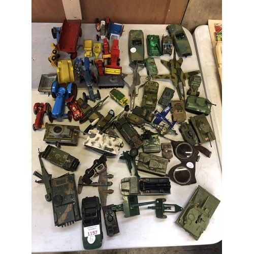 1157 - A LARGE COLLECTION OF VARIOUS LOOSE VINTAGE METAL DIE-CAST MILITARY MODELS TO INCLUDE TANKS, PLANES,...