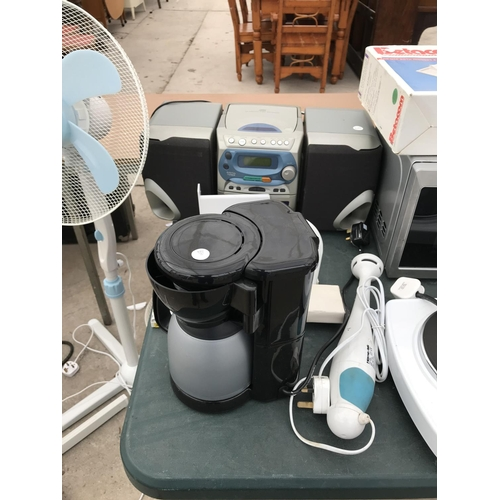 119 - A LARGE QUANTITY OF ELECTRICALS TO INCLUDE TWO FANS, MICROWAVE, COFFEE MAKER, HOTPLATE, FOOD PROCESS...