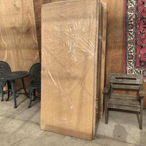 43 - 21 VARIOUS INTERNAL WOODEN DOORS 6'6