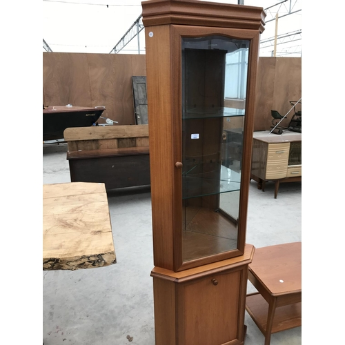 682 - A SUTCLIFFE FURNITURE MAHOGANY CORNER CABINET WITH LOWER DOOR AND UPPER GLAZED DOOR AND A MATCHING S...