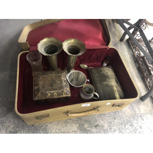 369 - A VINTAGE SUITCASE CONTAINING VARIOUS SILVER PLATED BUD VASES, LEATHER BOX, ETC (QTY)...